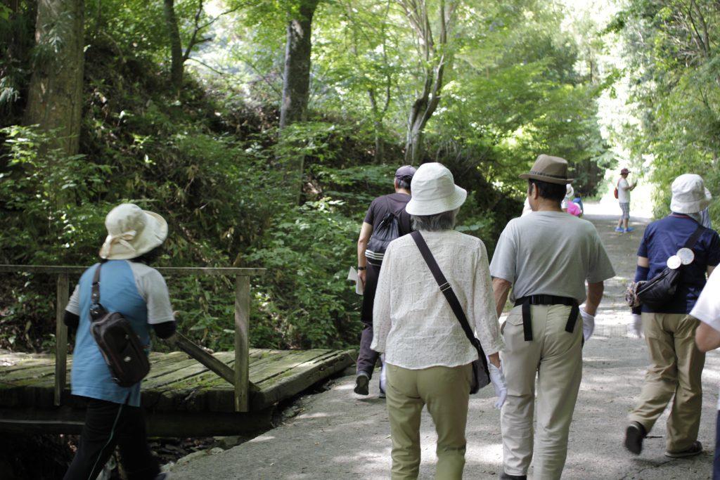 安坂神社横の道